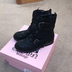 Crown Vintage Black Boots